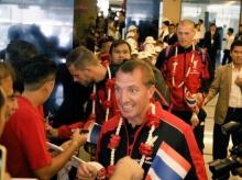 ลิเวอร์พูล ถึงไทย แฟนบอลแห่ต้อนรับ
