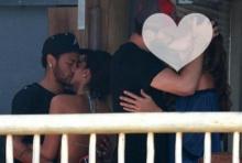ไม่อายฟ้าดิน!!เนย์มาร์โดนแฉหวิวหมู่จูบดูดดื่มแฟนเก่าเคียงข้างเพื่อนร่วมทีม