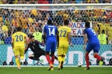 ผลฟุตบอลยูโร 2016 กลุ่ม A นัดแรก เจ้าภาพฝรั่งเศส เฉือนชนะ โรมาเนีย 2-1 เก็บ 3 แต้มสำเร็จ
