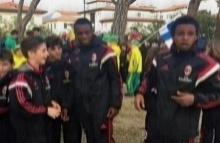 ACมิลานยู10ปีถูกเหยียดผิวโดยกลุ่มผู้ใหญ่ที่ชมจากข้างสนาม