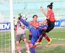 แข้งสาวไทยไล่ถล่มลาว 12-0 ลิ่วตัดเชือกบอลเอเอฟเอฟ อาเซียนคัพ