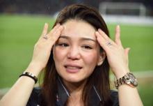"""""""มาดามเดียร์""""หลั่งน้ำตาดีใจนักเตะไทยซิวแชมป์"""