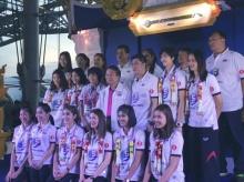 คนไทยแห่กริ๊ดต้อนรับทัพลูกยางสาวไทยสนั่นสุวรรณภูมิ