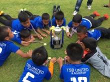 เด็กไทยเจ๋ง!! นักฟุตบอลรุ่นจิ๋ว TSB United คว้าแชมป์ฟุตบอลอินเตอร์