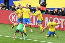 กองหลังไอร์แลนด์โขกตุงทีมตัวเองช่วยให้ 'สวีเดน'ฟื้นไล่ตีเสมอ1-1แบ่งทีมละแต้ม